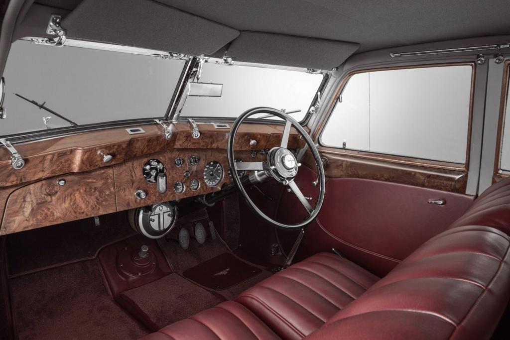 Bentley de 1939 destruído na Segunda Guerra Mundial é reconstruído pela empresa Cornic12