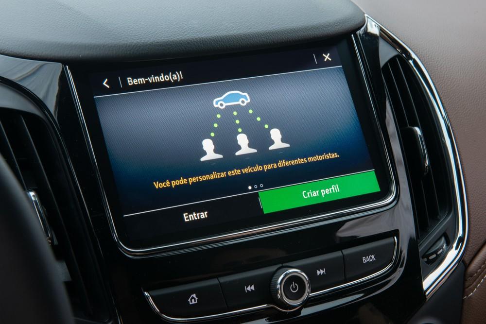 Chevrolet Cruze 2020 chega com 'cara' nova e wi-fi para os ocupantes Cruze-11