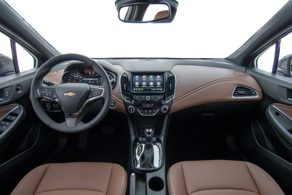 Chevrolet Cruze 2020 chega com 'cara' nova e wi-fi para os ocupantes Cruze-12