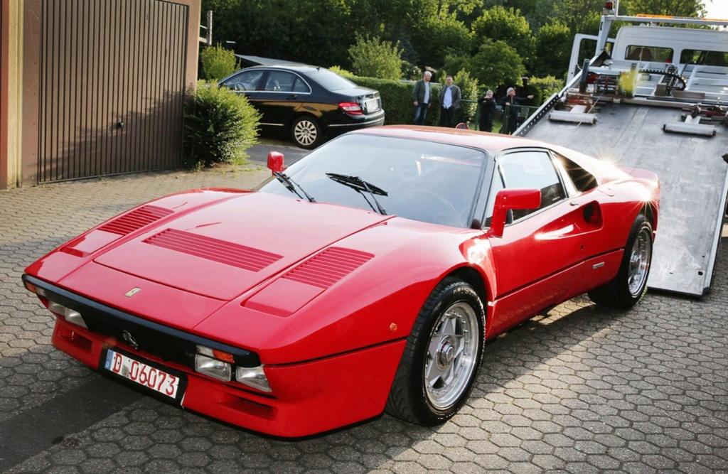 Ferrari da década de 1980 é roubada durante test drive na Alemanha Ferrar10