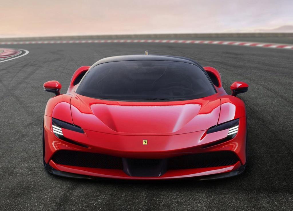 Ferrari lança carro de 1.000 cv que pode ser carregado na tomada Ferrar13