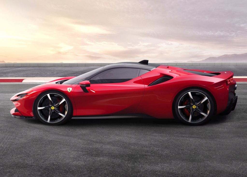 Ferrari lança carro de 1.000 cv que pode ser carregado na tomada Ferrar14