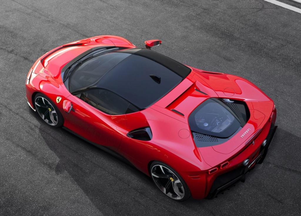 Ferrari lança carro de 1.000 cv que pode ser carregado na tomada Ferrar18