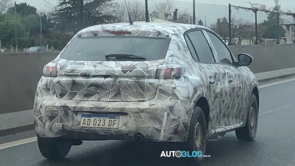 "Flagra: Novo Peugeot 208 ""Mercosul"" já tem versões definidas Flagra10"