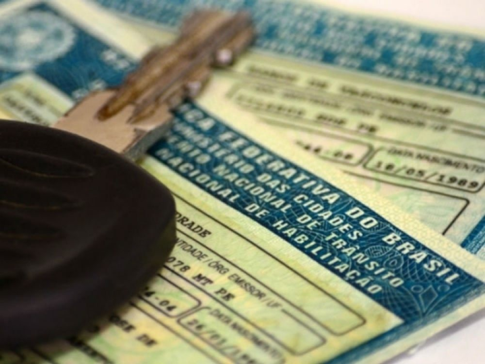 Especialistas apontam riscos em reduzir carga horária para tirar carteira de motorista e de 'cinquentinhas' Foto-t10