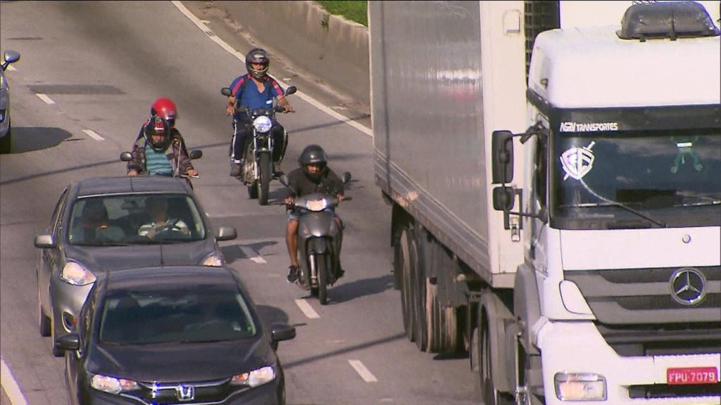 Motos são proibidas de trafegar na Marginal Pinheiros a partir desta segunda-feira Frame-10