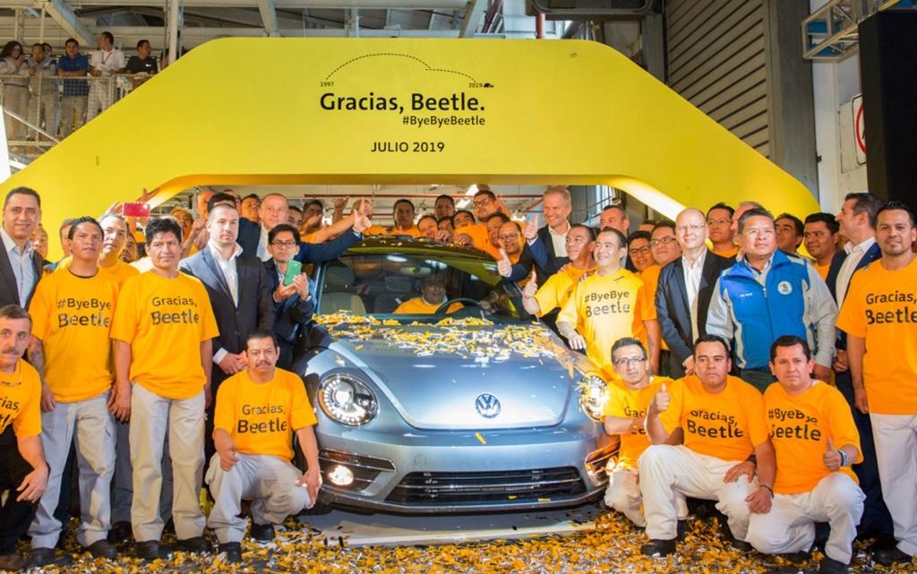 Volkswagen encerra produção mundial do Fusca; veja como foi a despedida Fusca-10