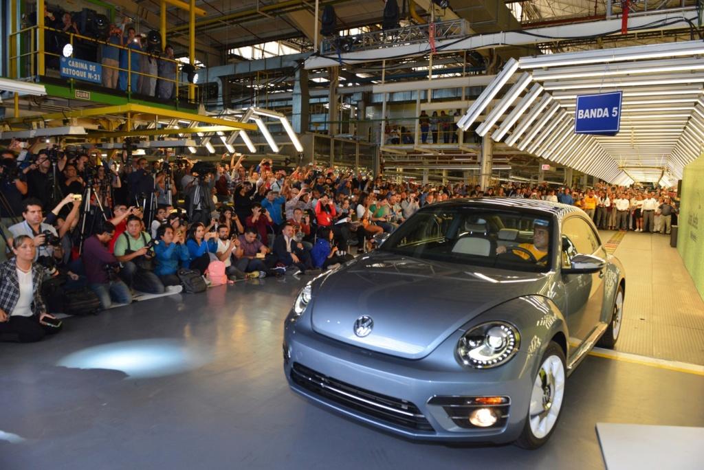 Volkswagen encerra produção mundial do Fusca; veja como foi a despedida Iconic10