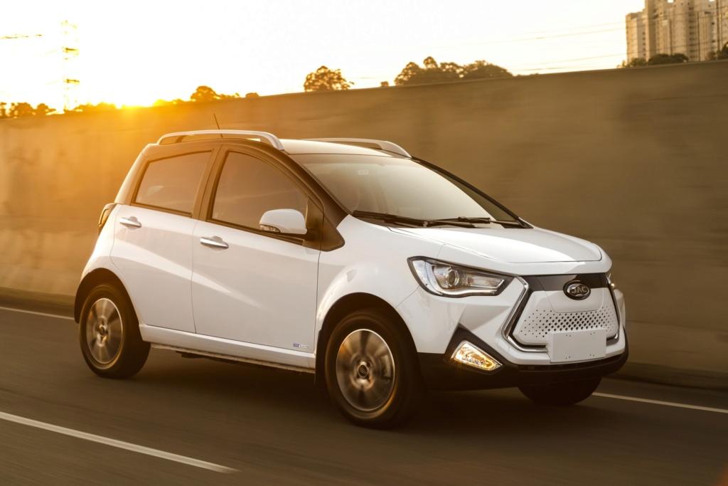 Jac apresenta compacto, SUVs e picape elétricos no Brasil; veja preços e fotos Iev20-10