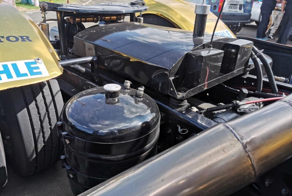 Veja como é dirigir um caminhão de corrida de 1.250 cv que chega a 240 km/h Img-2012