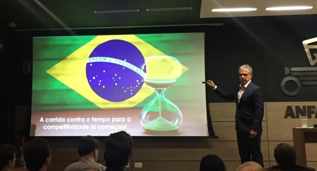 Anfavea vê ameaça de mais importações de carros da UE no Brasil e convoca 'corrida contra o tempo' por competitividade Luiz-c10