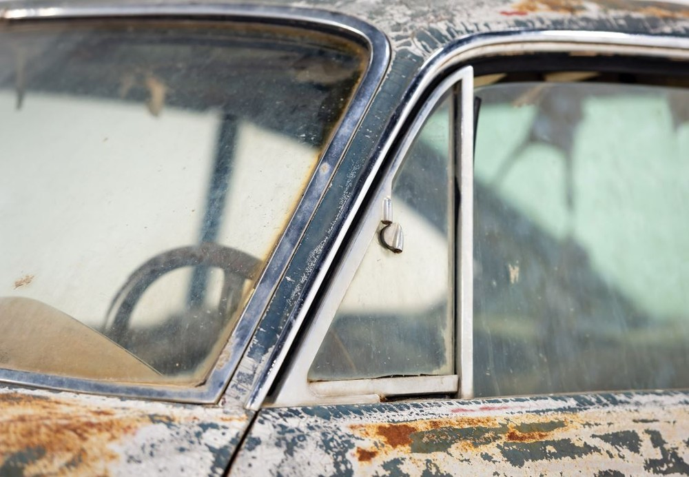 Maserati enferrujada de 1961 é leiloada por R$ 2,2 milhões Masera14