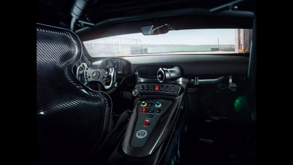 Mercedes AMG deixará de ter modelos com tração traseira Merced13