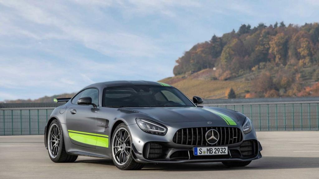 Mercedes-AMG GT R Pro chega ao Brasil por R$ 1.699.900 Merced25