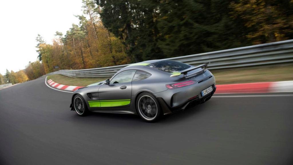 Mercedes-AMG GT R Pro chega ao Brasil por R$ 1.699.900 Merced27