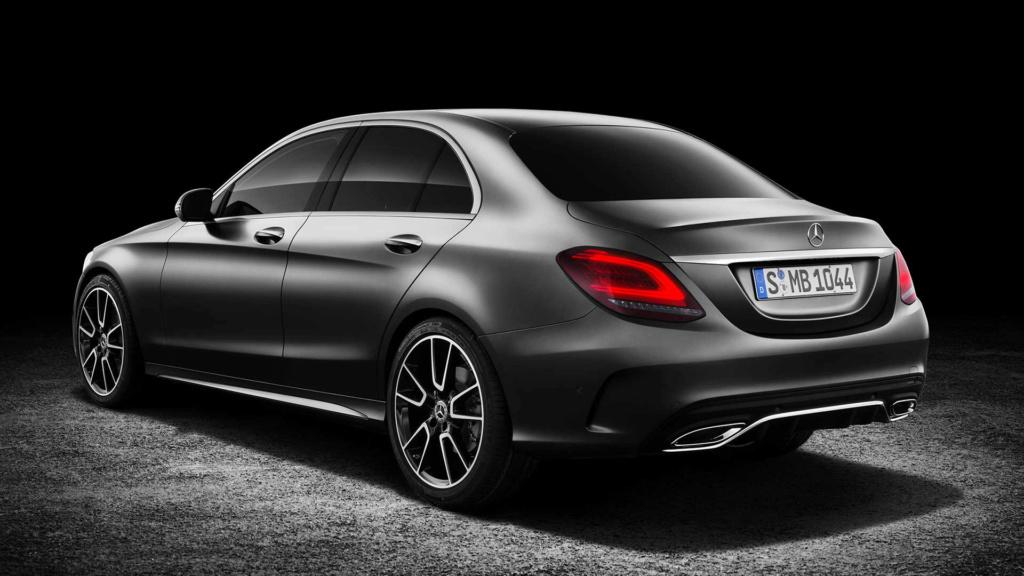 Mercedes pode ser multada em 1 bilhão de euros por fraude em emissões Merced32