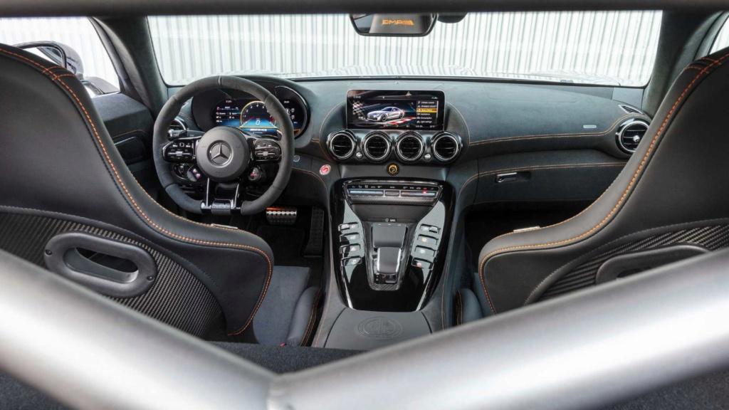 Mercedes-AMG GT Black Series é versão super preparada com V8 de 730 cv Merced54