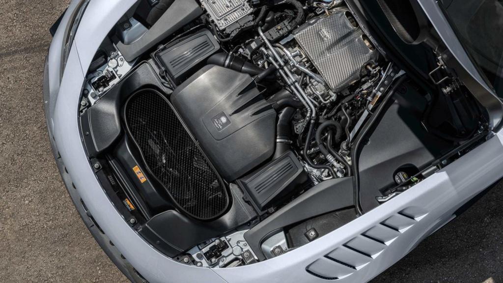 Mercedes-AMG GT Black Series é versão super preparada com V8 de 730 cv Merced55
