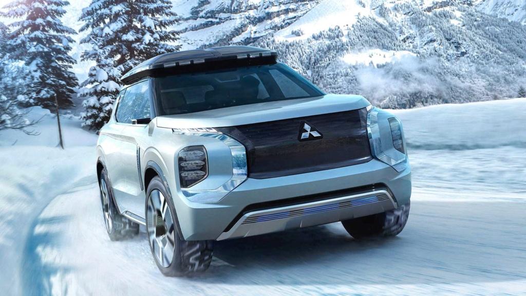Nova Mitsubishi L200 terá versão híbrida e possível V6 turbodiesel Mitsub24