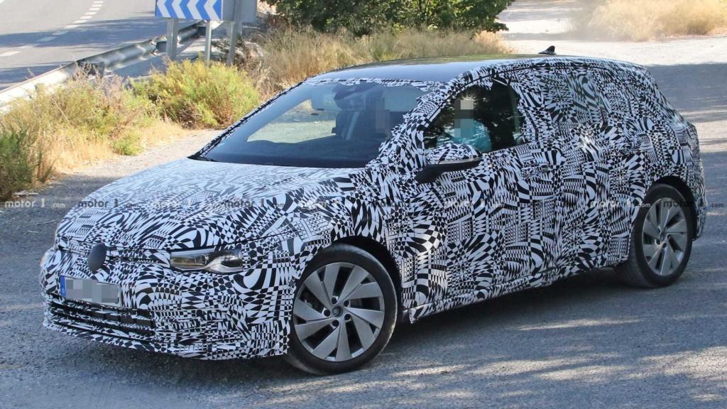 Esperado no Brasil, VW Golf GTE híbrido testa nova geração New-vw10