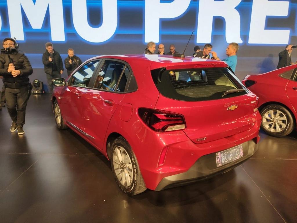 Chevrolet revela nova geração do Onix Onixch10