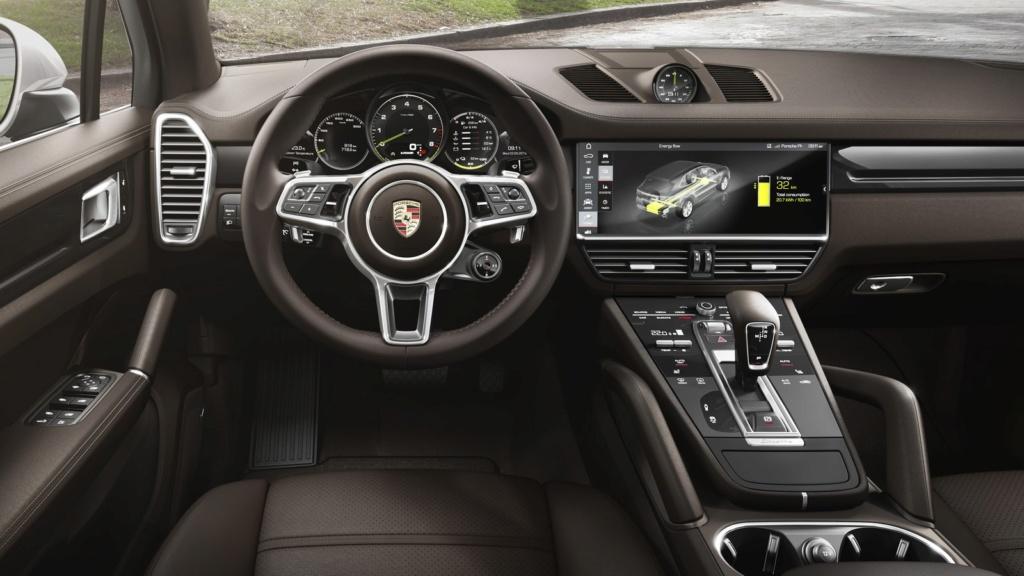 Porsche Cayenne híbrido plug-in chega ao Brasil por R$ 435 mil P18-0410