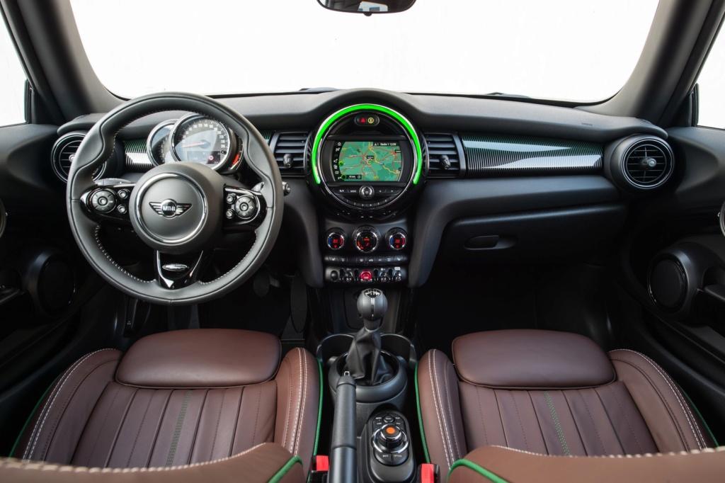 Mini Cooper ganha série limitada 60 Years por R$ 171.990 P9033112