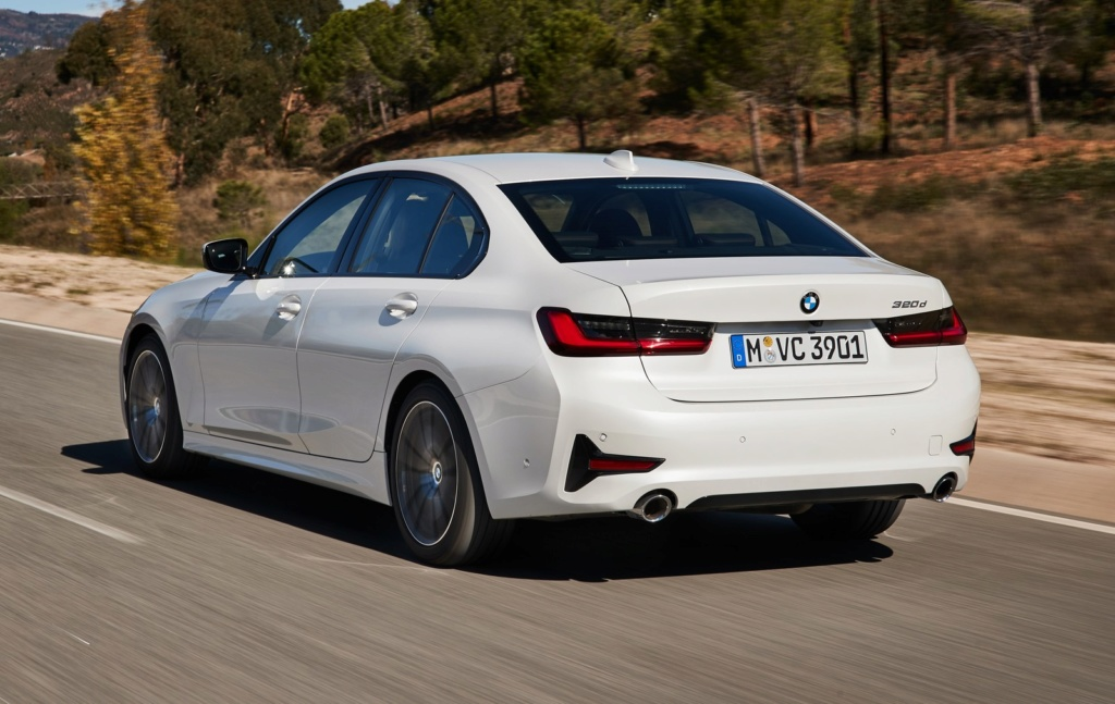 BMW Série 3 ganha versão de entrada 320i, que parte de R$ 187.950 em pré-venda P9033211