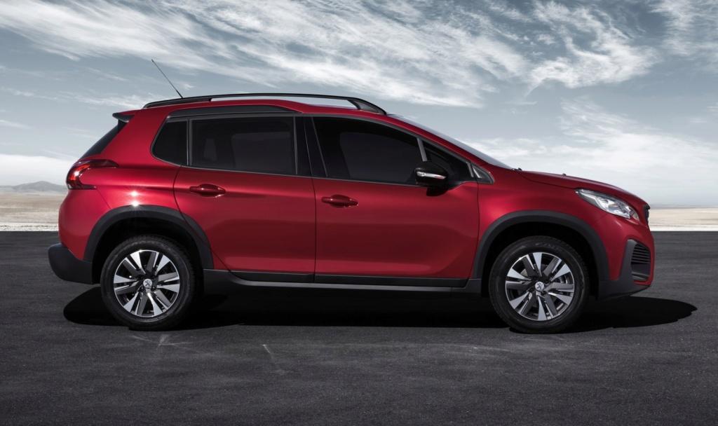 Peugeot 2008 ganha cara nova por R$ 69.990; versão turbo agora tem câmbio automático Peugeo13