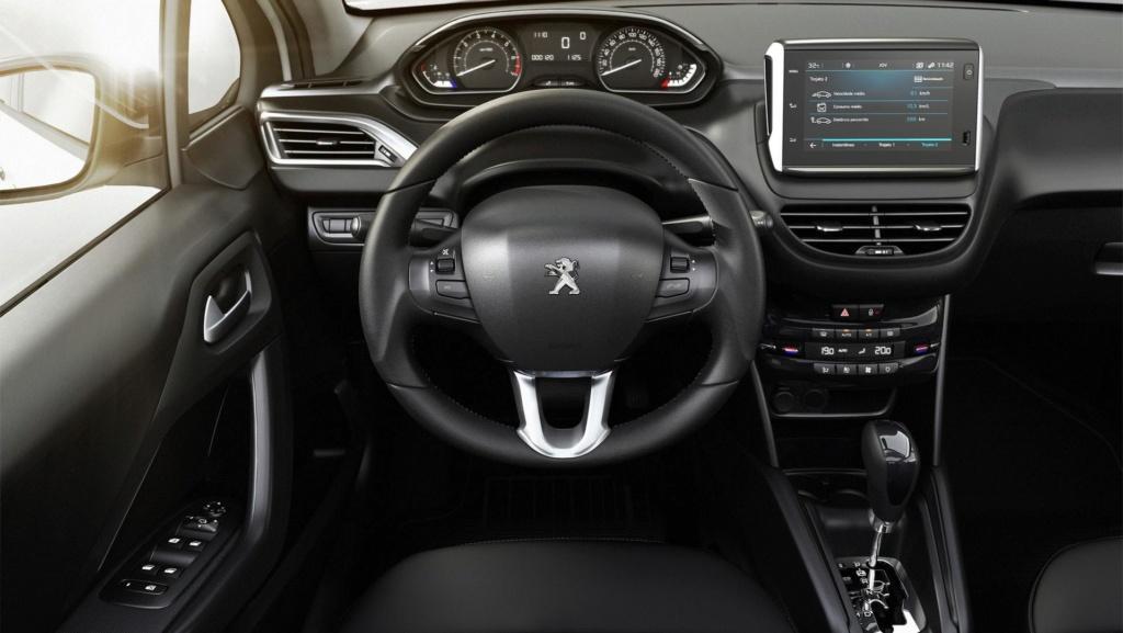 Peugeot 208 perde versões enquanto espera por nova geração Peugeo28