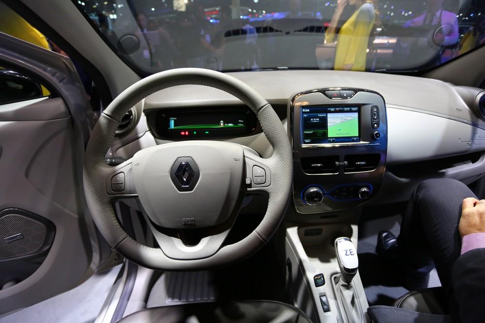 Renault mostra novo Zoe na Europa, mas Brasil segue com versão atual Q98a0212