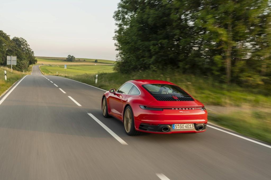 Porsche 911 Carrera: primeiras impressões S19-4010