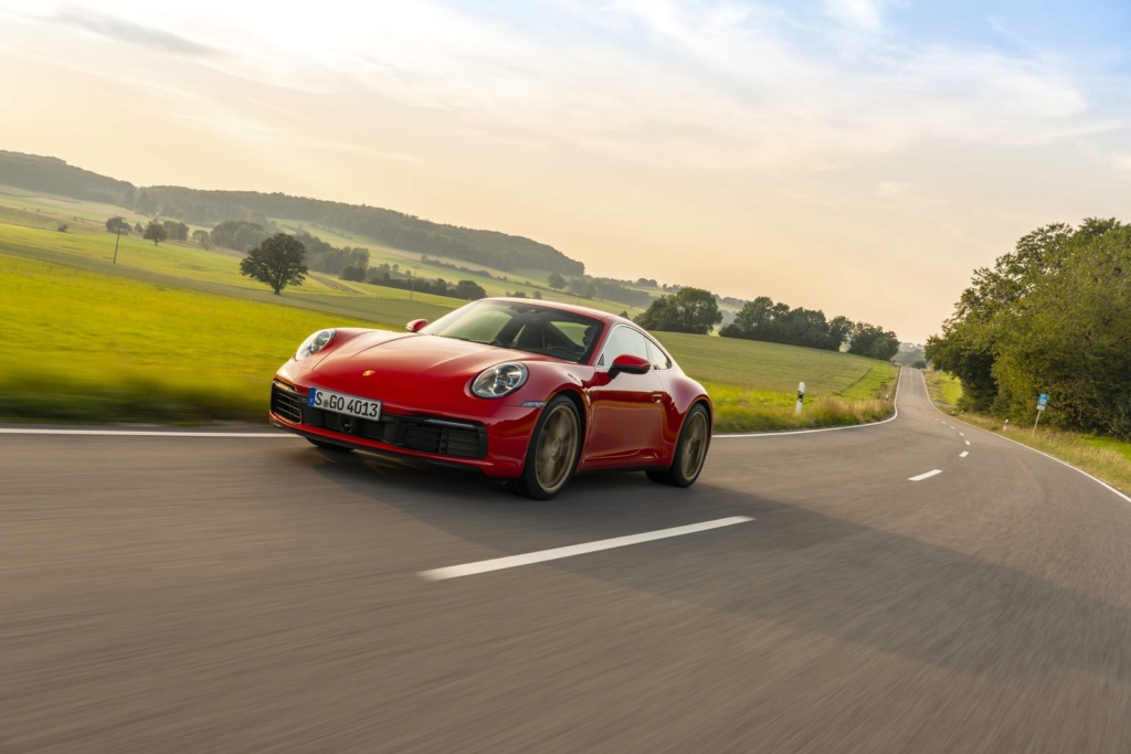 Porsche 911 Carrera: primeiras impressões S19-4011