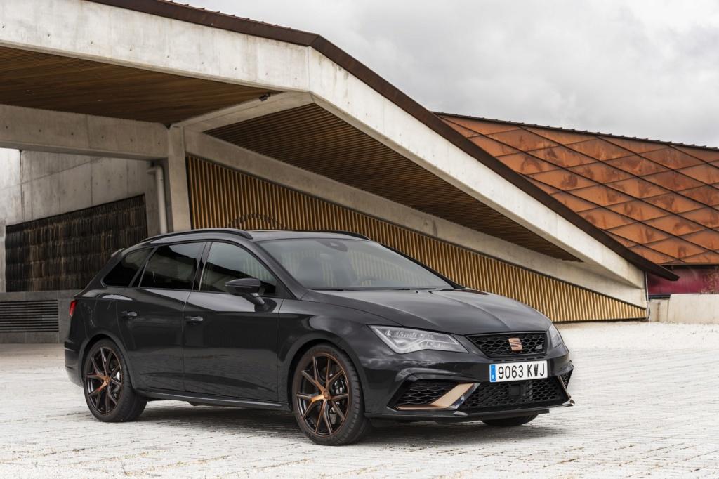 Conheça a Cupra, marca de carros esportivos que substitui a Audi no FC Barcelona Seat-l10