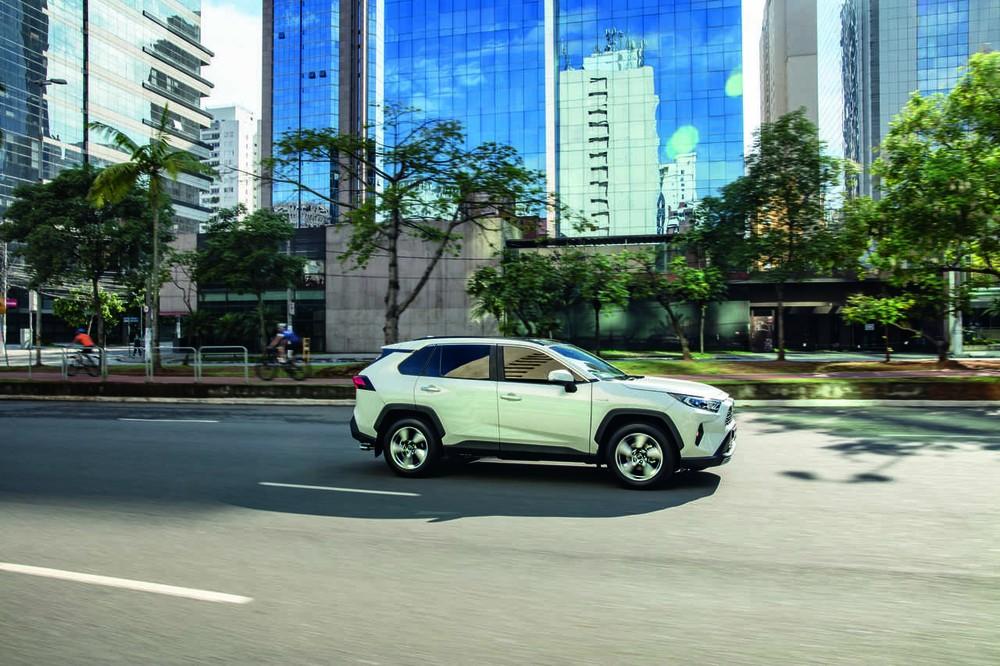 Novo Toyota RAV4 chega ao Brasil híbrido de série a partir de R$ 165.990 Toyota11