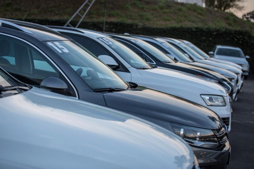 Vendas de veículos seminovos caem 12,5% no 1º semestre Venda-10