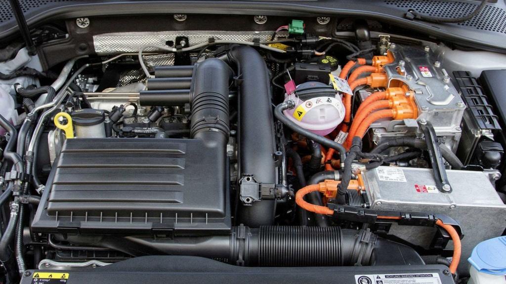 VW Golf GTE é lançado no Brasil com preço de R$ 199.990 Vw-gol16