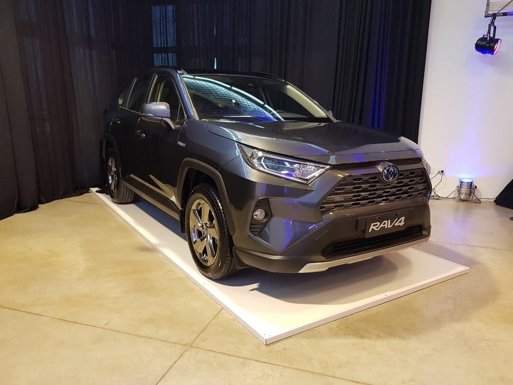 Novo Toyota RAV4 chega ao Brasil híbrido de série a partir de R$ 165.990 Whatsa12