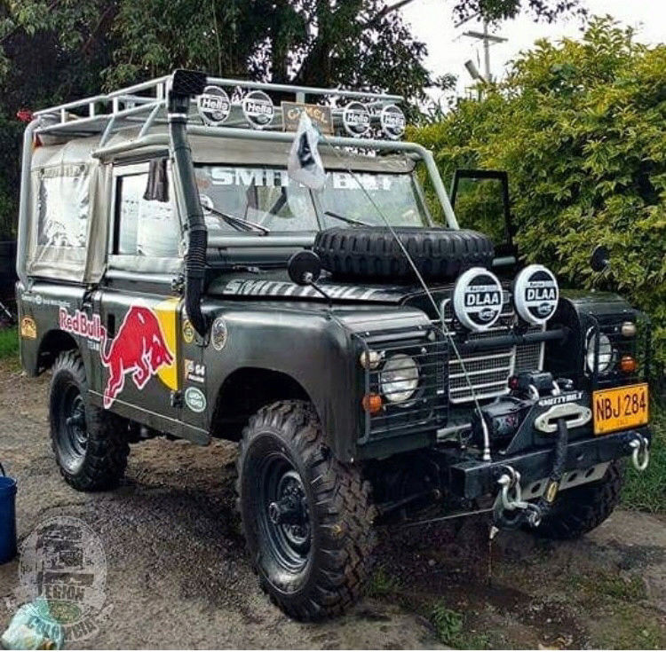 Random Land Rover pics  15219472