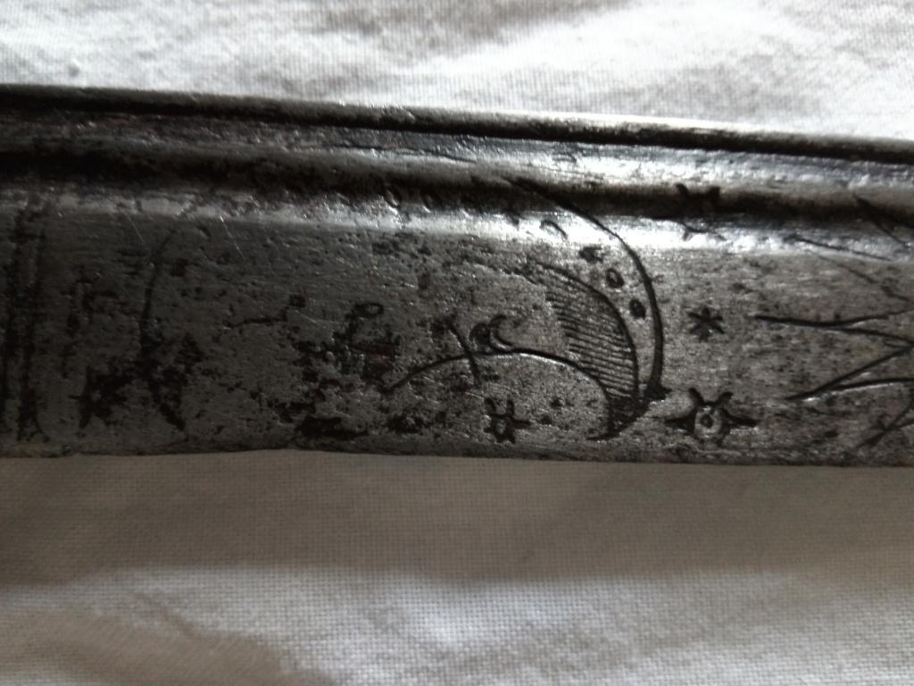 الى اي عهدة يعود هذا السيف Img_2046