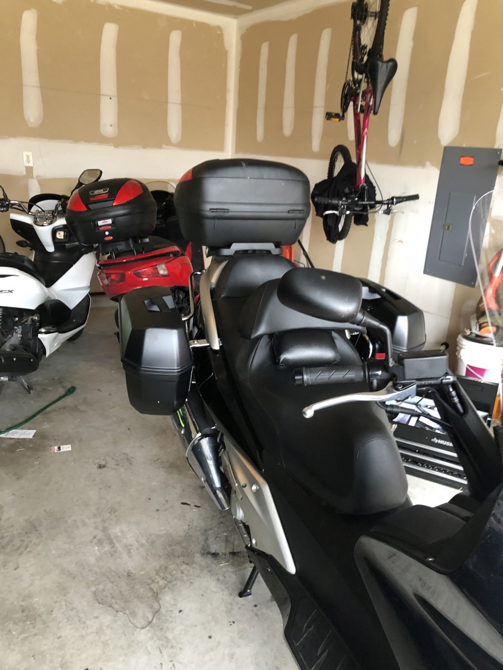 Looking for 7811 ST HO SWT 400/600 (Fehling - Side Case Holder for Givi/Kappa (Monokey) Case) New or Old Img_0013