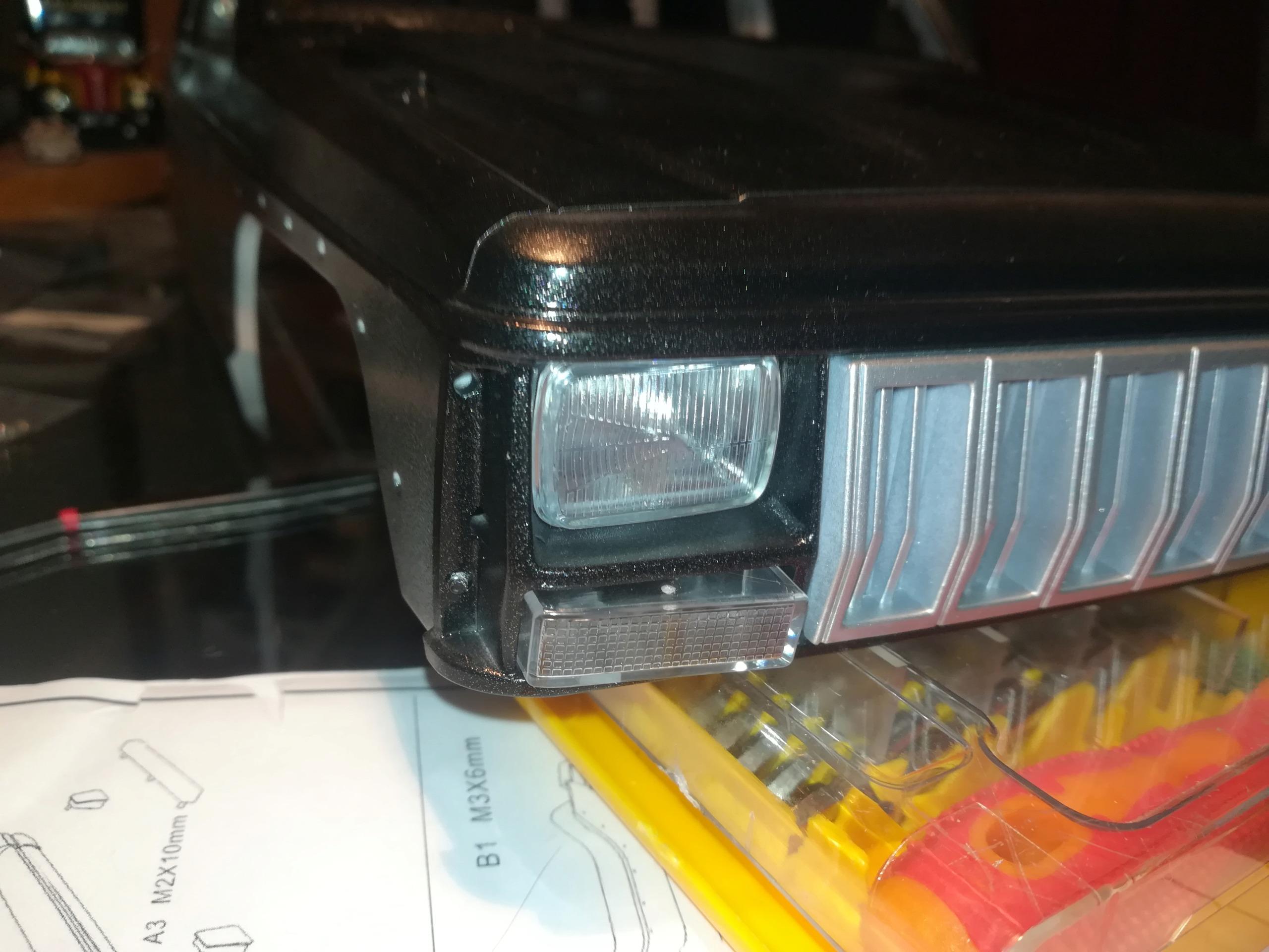 Mon TRX4 sur carrosserie Jeep Cherokee XJ 90's Img_2029