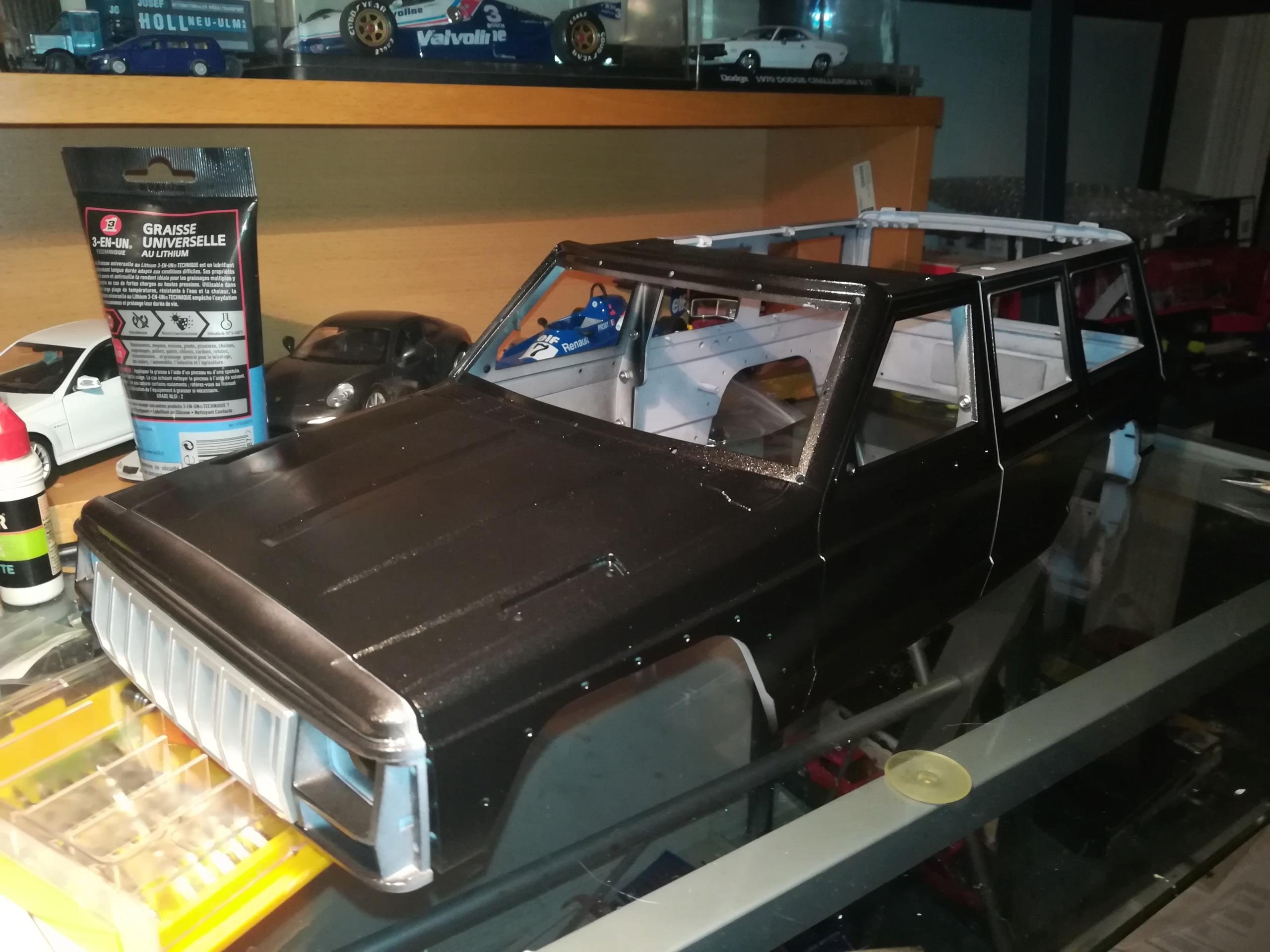 Mon TRX4 sur carrosserie Jeep Cherokee XJ 90's Img_2030