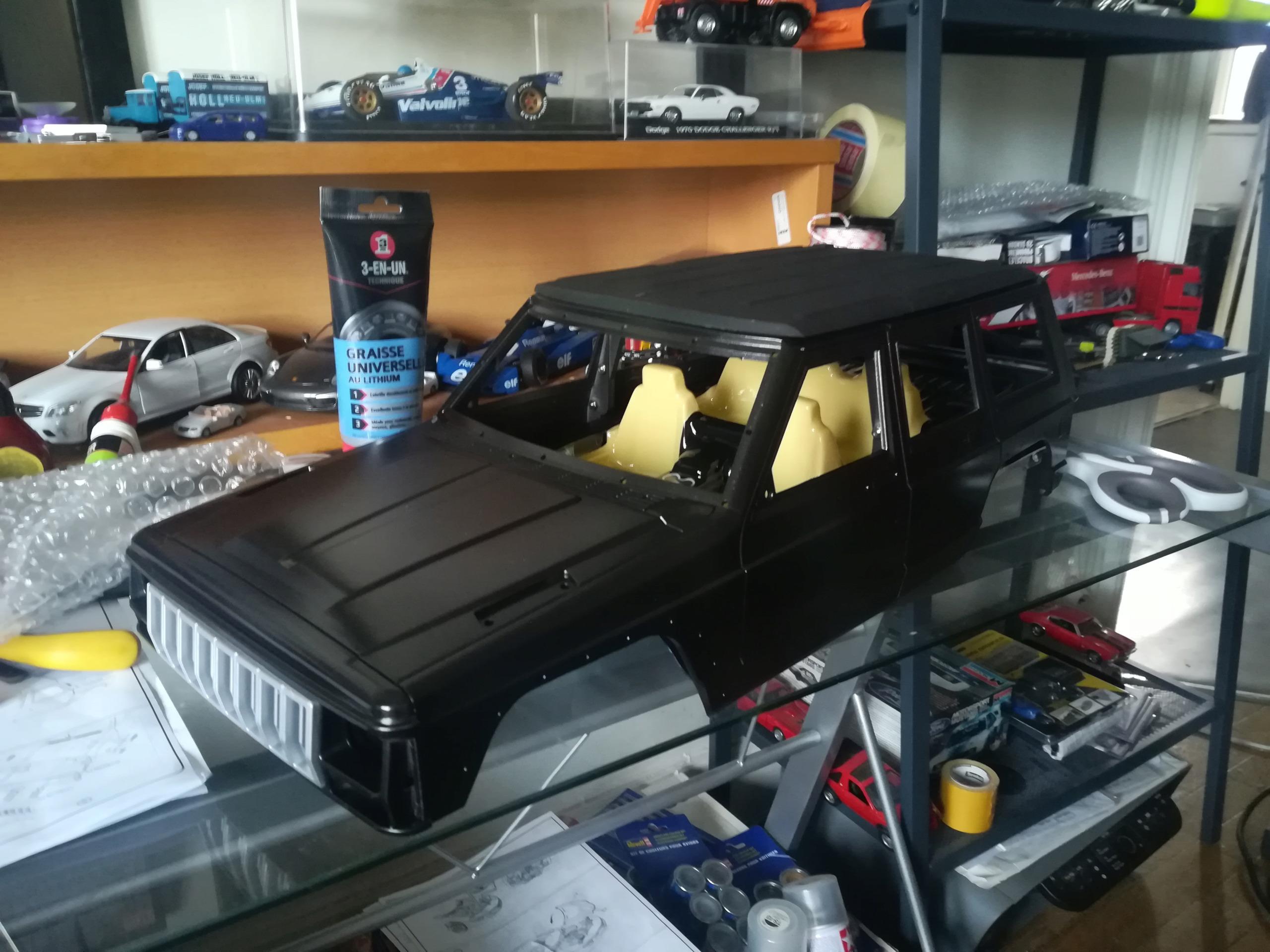 Mon TRX4 sur carrosserie Jeep Cherokee XJ 90's Img_2043