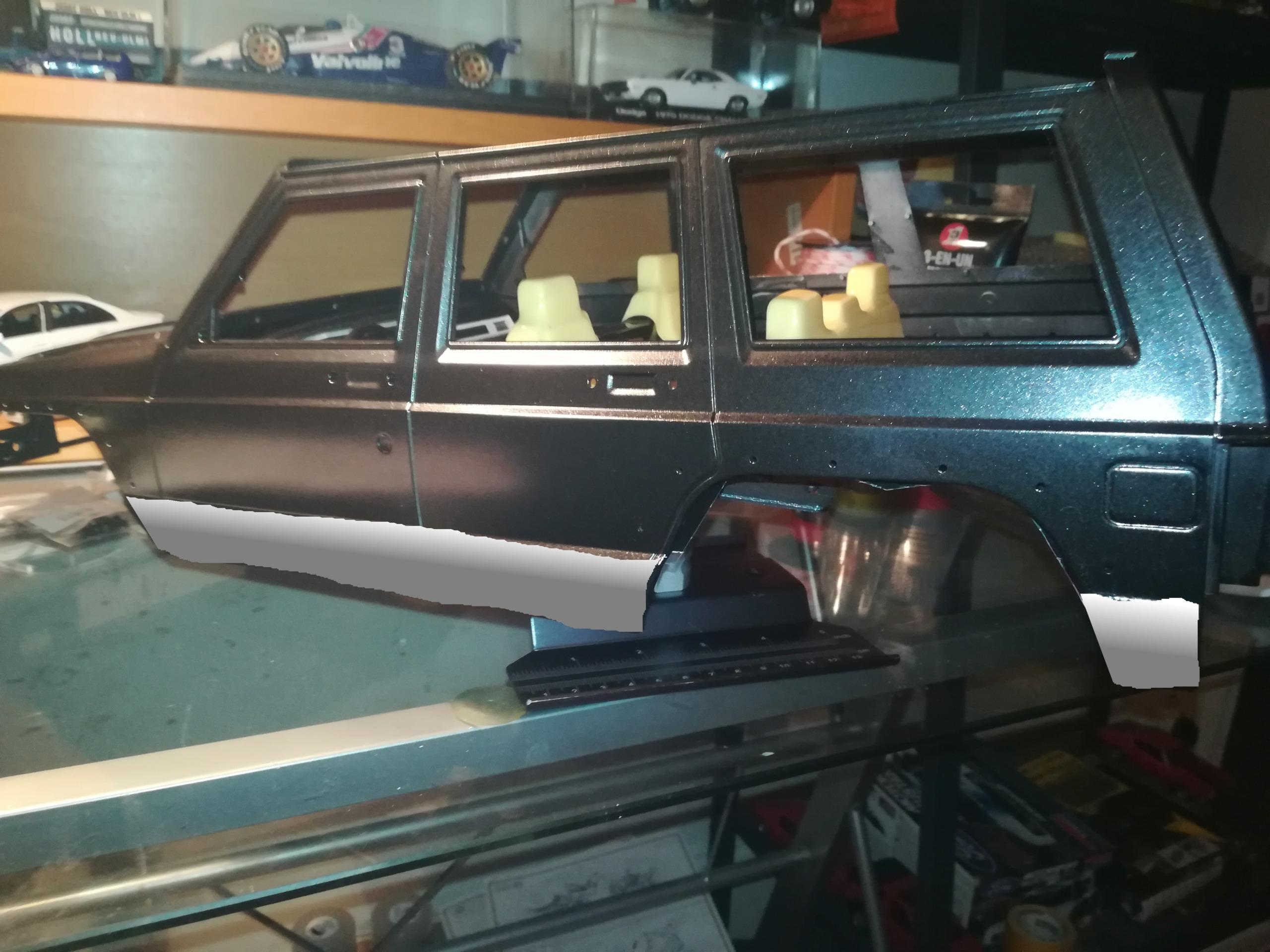 Mon TRX4 sur carrosserie Jeep Cherokee XJ 90's Img_2048