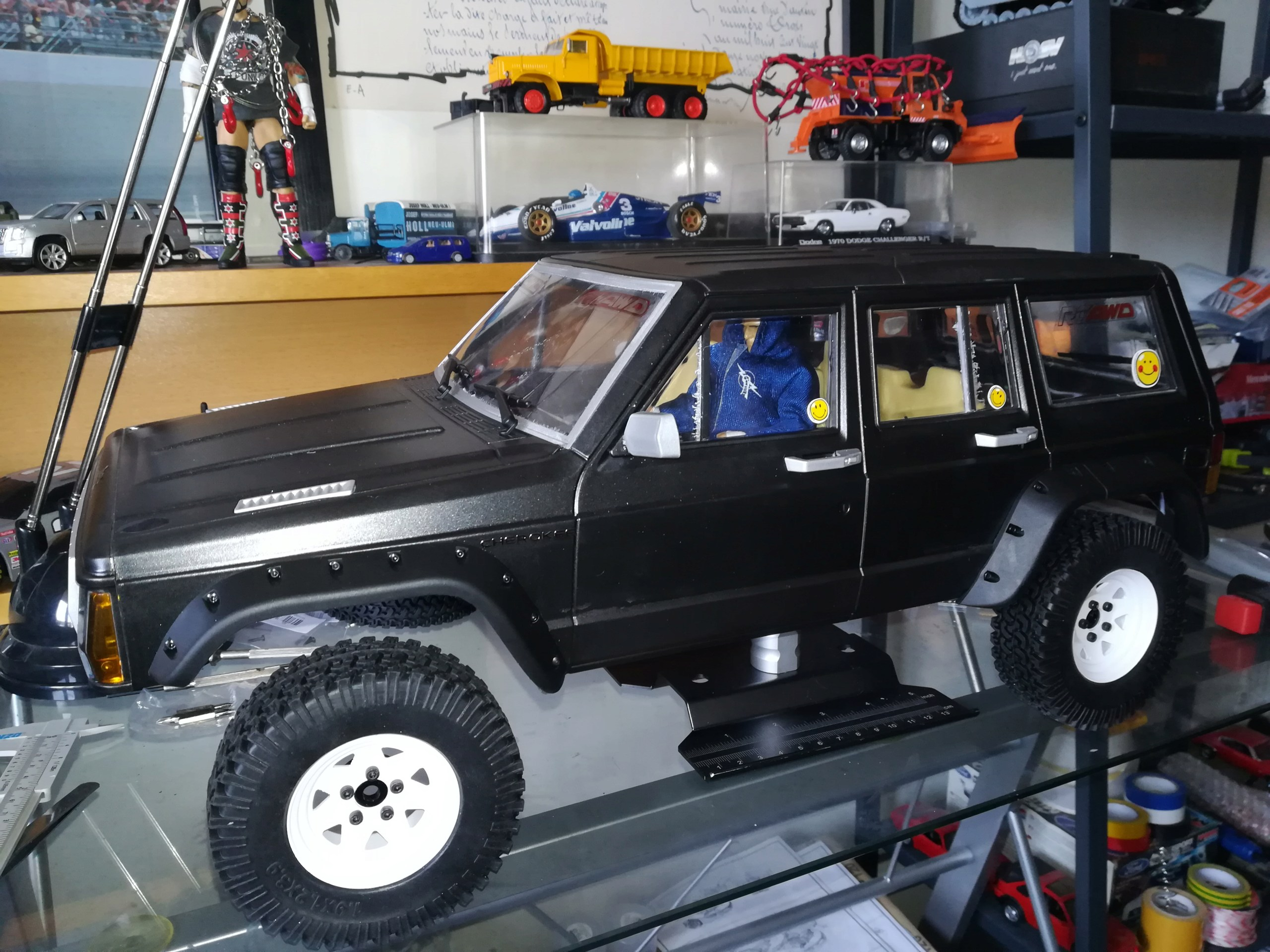Mon TRX4 sur carrosserie Jeep Cherokee XJ 90's - Page 3 Img_2089