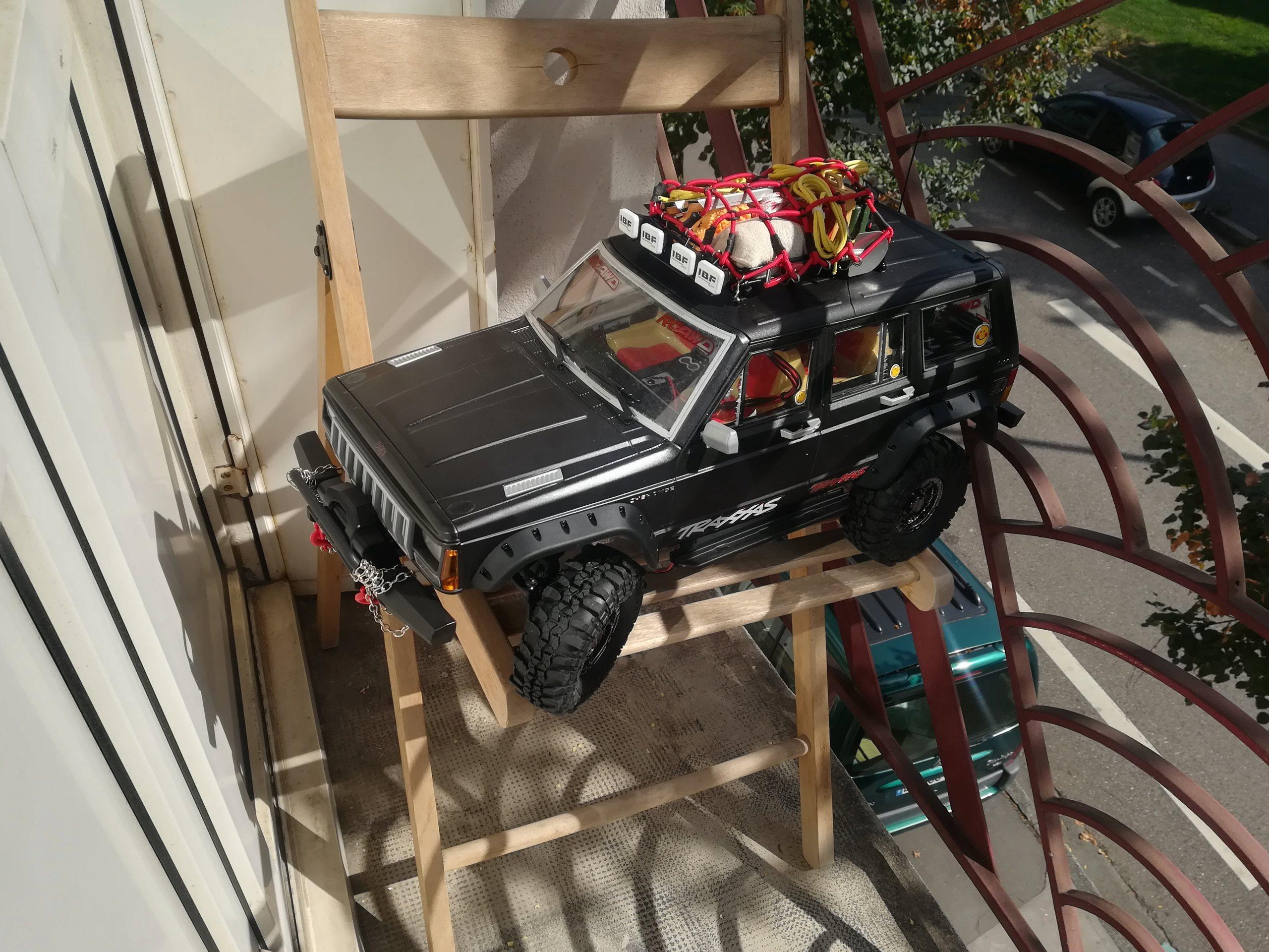 Mon TRX4 sur carrosserie Jeep Cherokee XJ 90's - Page 6 Img_2152