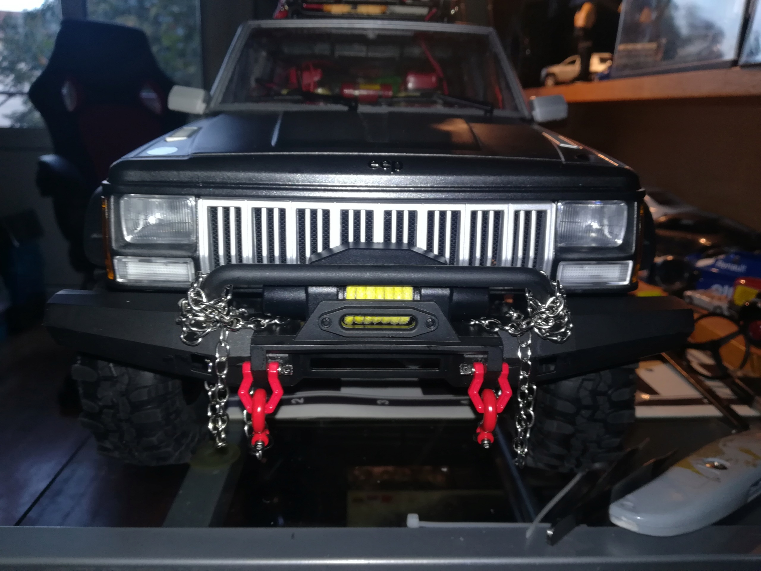 Mon TRX4 sur carrosserie Jeep Cherokee XJ 90's - Page 7 Img_2154