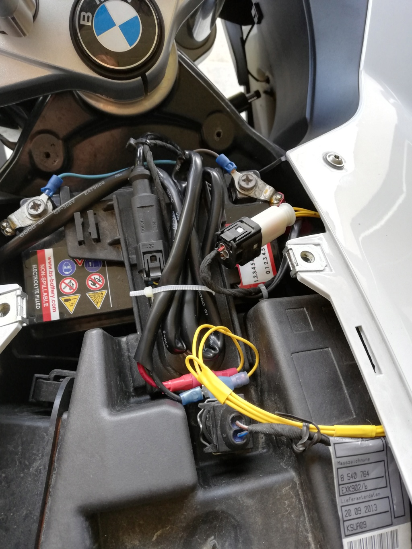 installation d'une prise USB sur F800 GT Img_2015