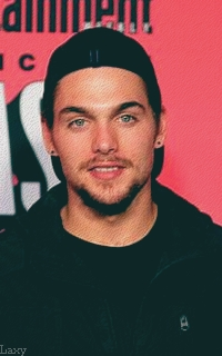 Dylan Sprayberry  - Page 4 Pictur13